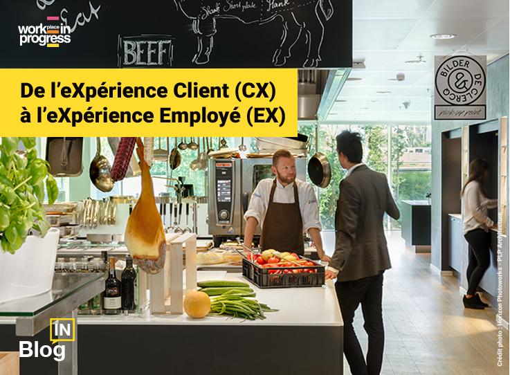 Un employé parle au cuisinier du restaurant d'entreprise de The Edge, les bureaux de Deloitte à Amsterdam, illustrant l'article du blog de workINprogress « De l'eXpérience Client (CX) à l'eXpérience Employé (EX) »